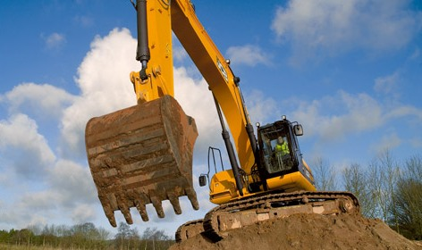 JCB JS290 Heavy Tracked Excavator Offers Operator Comfort and Safety